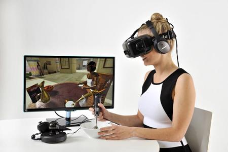 VR体会用餐.jpg