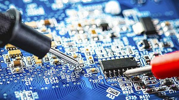 电路引脚,高频信号线和各类接插头都是pcb板设计中常见的辐射干扰源